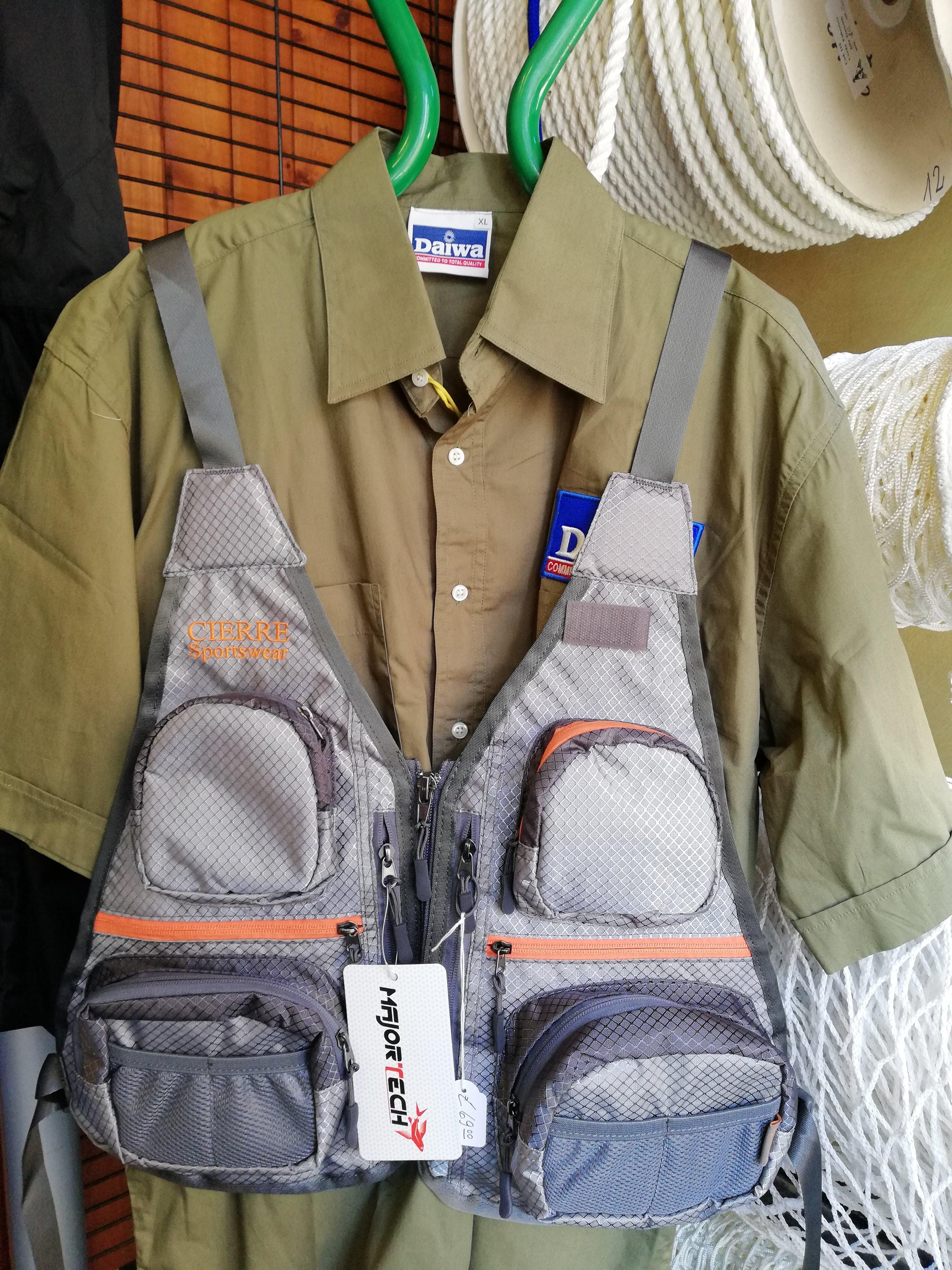 Gilet da pesca, pesca mosca, pesca in fiume, casa del pescatore, negozio pesca, negozio pesca genova, canne da pesca
